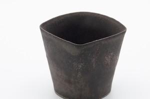 黒釉四角小鉢