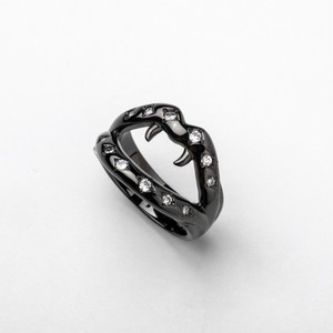 Fang Ring Black