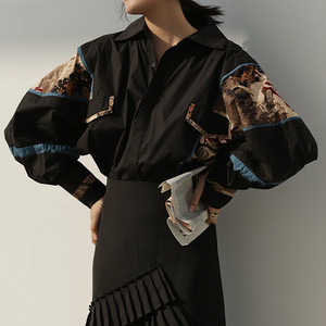 Wide sleeves retro blouse