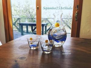 《名入れ父の日ギフト》【月見】ぐい日本酒飲みグラス 冷酒 徳利&ペアお猪口セット(手描きガラス絵付け)/両親プレゼント・ウェディングギフト・結婚祝い