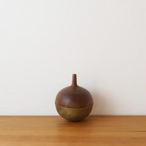comonoyure C / 真鍮 × ウォールナット