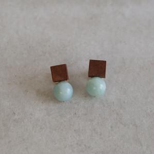 <Pierced Earrings> Drop Walnut Green