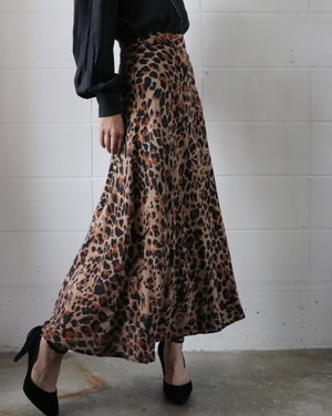80's Silk leopard skirt