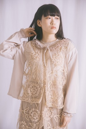 romantic fril blouse