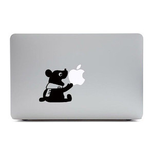 MacBook Air11インチ用背面デザインステッカー「りんごをかじるくま」