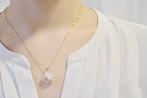 【Pon】ネックレス・胸元で花咲くネックレス・クリスタル