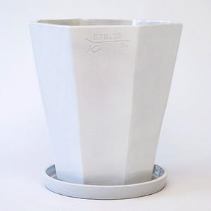 Flowerpot & Saucer 01