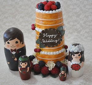 ウェルカムドール に最適!  ウェディングケーキ型マトリョーシカ