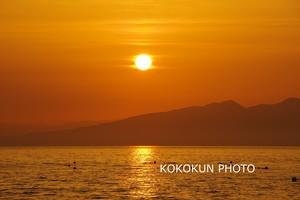 有明海の朝の風景「島影と朝日」