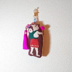 チャーム: timo.co 作品 ハンドメイド ゆる動物&人間の刺繍 マスコット , キーホルダー や バッグチャーム に。