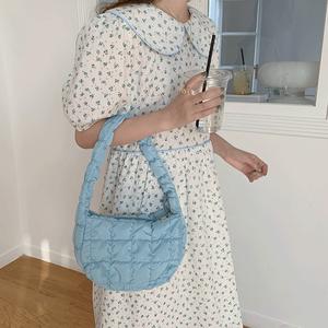 Casual trend handbags