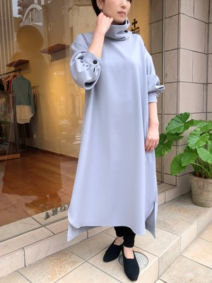 SI-HIRAI / ハイネックドレス