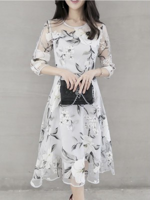 【dress】Round neck beautiful flower pattern dress