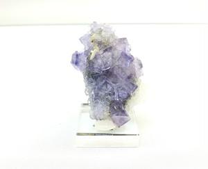 スペイン産 「バイオレットブルー フローライト 虹(レインボー)入り」 観賞・展示用アクリル台座付き 高品質結晶 約102g