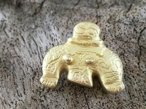 岩偶 土偶 真鍮ピンバッジ/タイタック
