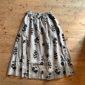 《グレーのみ》blue  willowのフラワープリント ギャザースカート