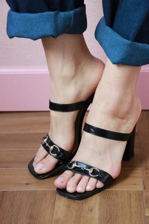 GUCCI hose bit sandal