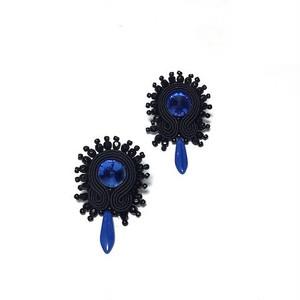 Soutache 黒と青ピアス
