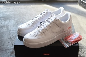 SUPREME × NIKE AIR FORCE 1