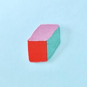ボックス刺繍ワッペンバッジ