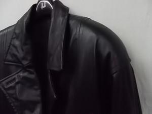 ちょっと大きいサイズ 牛皮 レザー ダブル ハーフコート ブラック 表記サイズF XL~3Lぐらい ★古着 レディース 良品