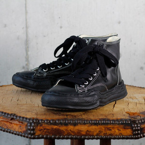 Leather Hi Cut Sneaker / A01FW703