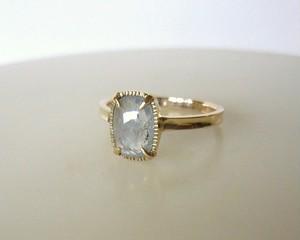ナチュラルサファイアのK14の指輪(ライトブルー)