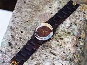銘木黒檀の押花と金箔の木製腕時計