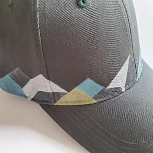 パステルカラーの山デザイン アウトドアキャップ 「パステル山脈」