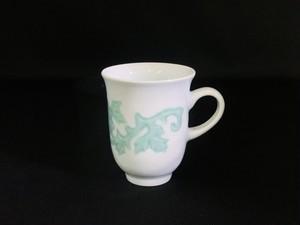 【井上萬二作】白磁緑釉彫文マグカップ B
