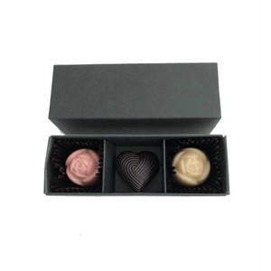 【2018バレンタイン限定】bonbon 3 * rose heart rose  / ローズハートローズ /  vegan white raw chocolate & raw chocolate