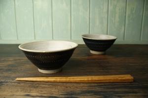 飛び鉋 茶碗(黒) 大(商品番号:WSUY70B)