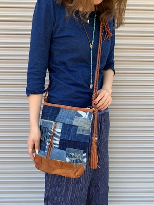モシ族藍染布ショルダーバッグ