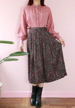 gray+red print pleated skirt