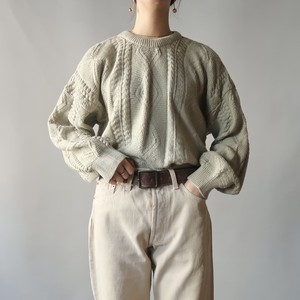 Cable knit pullover / pale green