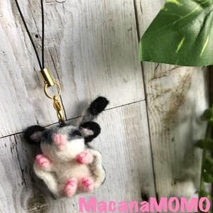 羊毛フェルトのフクモモBABYストラップ【sleep mode】