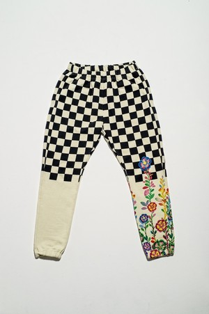 Walter Van Beirendonck for FlowerMOUNTAIN 2020/8 IVORY×BLACK SWEAT PANTS