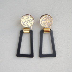 pierced earrings B-P81/earrings B-E81<gold>