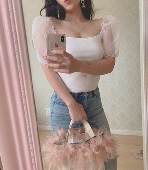 Puff shoulder top~white~