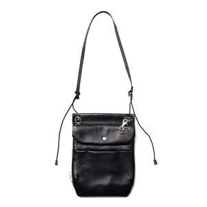 no. NN455010 Vertical Flap Shoulder Bag - Water repellent leather -