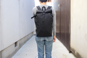 バックパック/ロールタイプ Mサイズ All Black