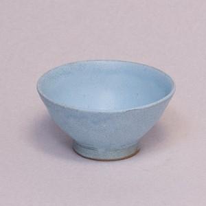 水色の面取茶碗