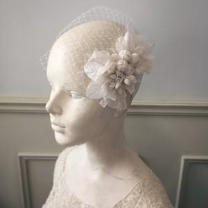 ベロアの木の実とお花のオリジナルヘッドドレス。