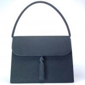ブラックフォーマルバッグかぶせパイピングタッセル付き