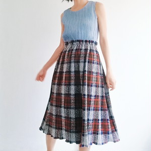 JAPAN USED Pleats check skirt.