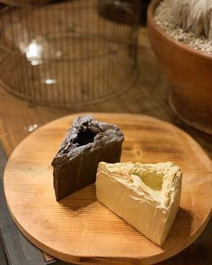 ガトーショコラ鉢とチーズケーキ鉢