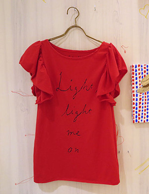 Tシャツ「Light, light me on」Red