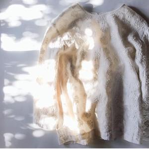 【miho umezawa】 ダリア刺繍リネン プルオーバーブラウス