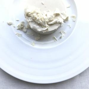 【ホワイトチョコレートケーキ】ローケーキ