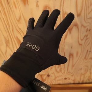 GORE WEAR / M GORE® WINDSTOPPER® GLOVES:ブラック